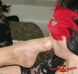 Masked Tgirl has a fetish for feet